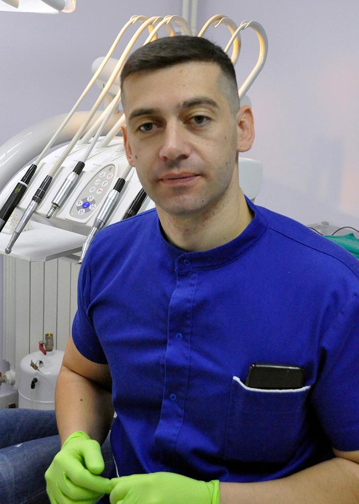 dr Miloš Gluščević
